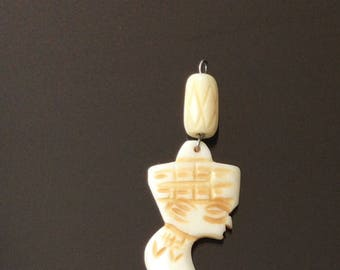 Authentic Hand Carved African medicine Man horn pendant