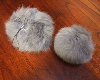 2 tassels rabbit diameter 8 cm with clasp removable mouse grey color