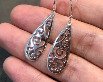 Vintage Sterling silver handmade earrings, solid 925 silver filigree teardrop earrings, stamped 925 SU