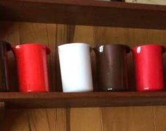14 ROSTI melamine pitchers