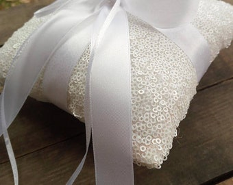 Ring pillow, wedding ring with sequins, wedding rings, pillow for rings with sequins, wedding ring rings, wedding ring rings with pearl