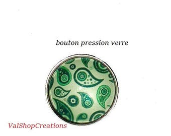 Green glass snap button