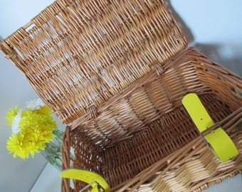 Selfridges Picnic Wicker Hamper Perfect for Weddings, Afternoon Tea & Summer Picnics