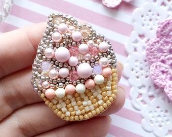 Brooch Cupcake