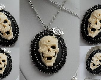 black and silver skull cameo pendant