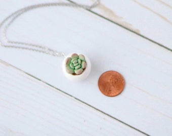 Free Succulant necklaces with purchase of a Bath and body spa gift (NOT SOLD SEPARATELY)