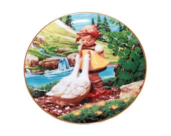 "Goose Girl by M. I. Hummel 8 1/4"" Collectible Plate 23kt Gold Trim with Certificate"