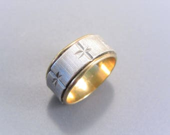 Vintage Vargas Gold and Silver Ring Size 4.5