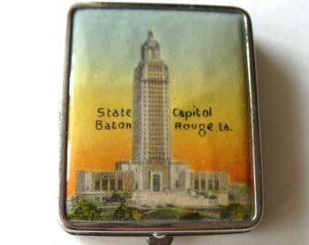 Souvenir Compact Baton Rouge State Capital - Powder and Rouge Vintage Compact - Double Sided Compact - Vintage Purse Accessory