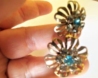 Vintage Aqua Earrings / 40's Earrings / Aqua Jewelry / Screw Back Earrings / Gold Earrings / Blue Earrings / Blue Jewelry