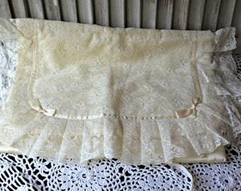 Vintage. Lingerie bag. Tuttabankem bag. Lace. Bows. Too cute!! Lovely lingerie bag!