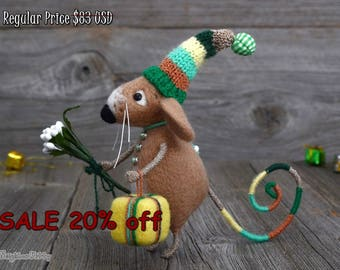 Needle felted Mouse -  Gift - Birthday Gift - Fiber art - Happy Birthday - Home decor
