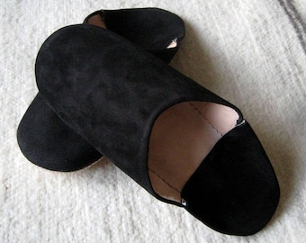 Moroccan home slippers in soft black leather