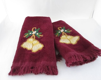Vintage Pair of Christmas Hand Towels with Applique Tassels Xmas towel Christmas towels Holiday towels pair of towels Maroon hand towels
