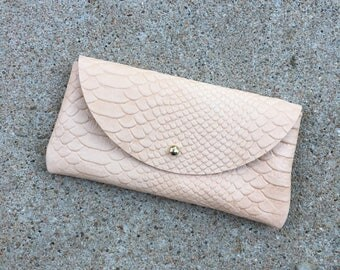 SALE • SUNNIES CASE Snakeskin Veg Tan • Embossed Leather Sunglasses Pouch or Wallet