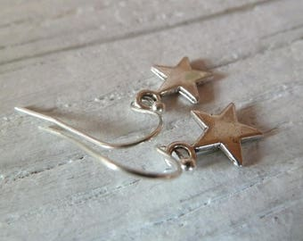 Little Star Ohrhänger Stern Sternchen silbern schlicht silberfarben