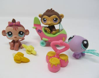 Littlest Pet Shop - 7 Pieces included - Monkeys, Airplane, Dragonfly