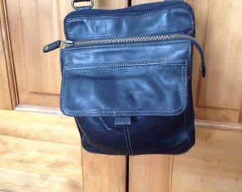 Vintage Fossil Black Leather Messenger Organizer Crossbody Handbag