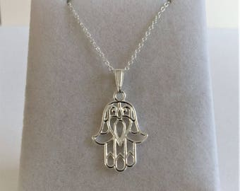 925 Sterling Silver Hamsa Hand Pendant & Chain Necklace.