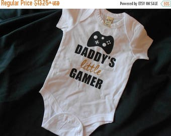 ON SALE Daddy's Little Gamer Infant Bodysuit or Kid's Shirt - Gifts for Geeks - Father's Day - Gamer Dad