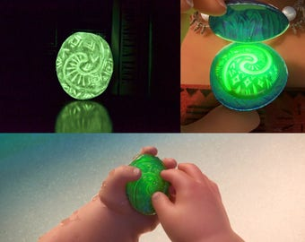 HEART of TE FITI, luminescent, glow in the dark, Moana