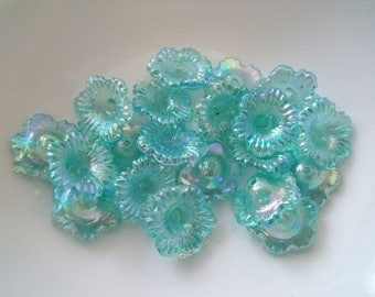 10 pearls flowers synthetic turquoise 11x5mm