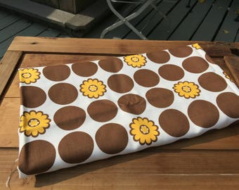 70s Flower power vintage fabric cotton brown gold daisies