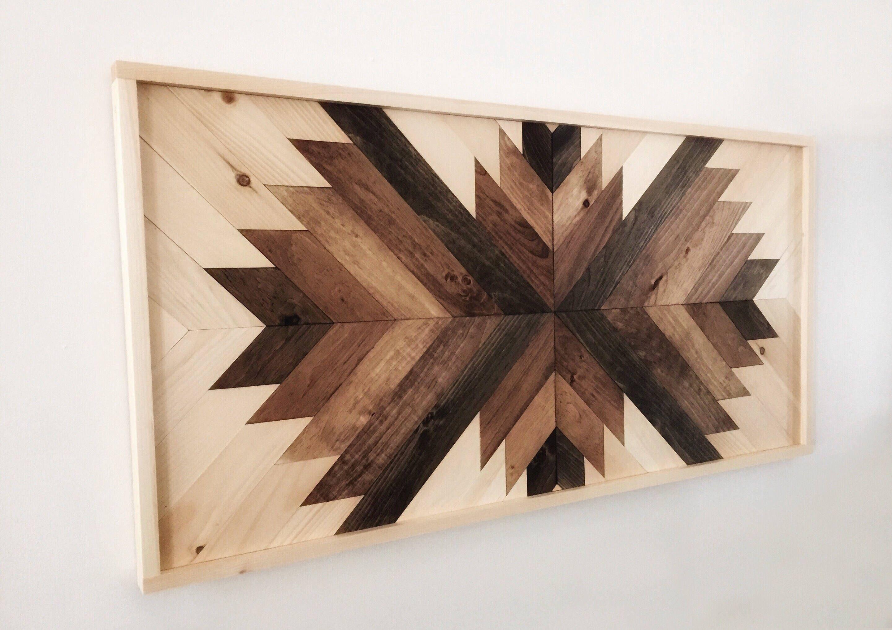 Reclaimed Wood Wall Art Sunburst in Brown Multicolor