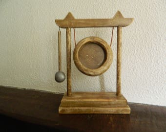 Tibetan gong picture holder