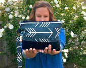 Ready-to-ship: canvas cotton & faux leather clutch with wrist strap - blue arrows and brown bottom
