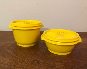 Two Yellow Tupperware Servalier Round Plastic Storage Containers 886 & 1323