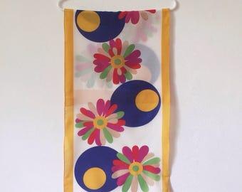 1960's scarf, mod scarf, floral neck scarf, Italian retro print scarf, vintage headscarf