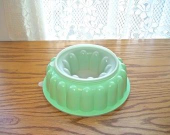 Tupperware Jello Mold~Green Tupperware Jello Mold~3 Piece Jello Mold~Vintage Jello Mold~Jello Ring~Retro Jello Mold~1970's Jello Mold