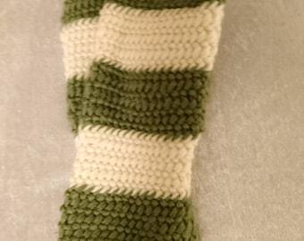 Green and beige needlebound winter mittens size L