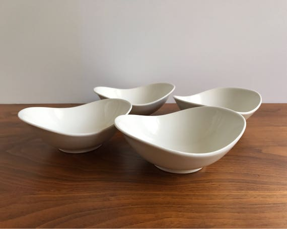 Set of 4 Eva Zeisel Hallcraft Tomorrow's Classic Fruit and Dessert Bowls in White