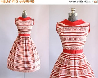 BIRTHDAY SALE... Vintage 1950s Dress / 50s Cotton Dress / Red and White Striped Dress w/ Reversed Collar XS/S