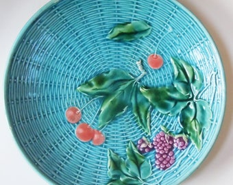 Majolica / Beautiful Realisim / Made in Germany / Great Color and Detail / Nice basketweave pattern