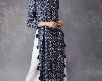 Blue ethnic straight kurta.