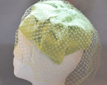 ON SALE: Cute Vintage Fascinator - Light Green with Netting