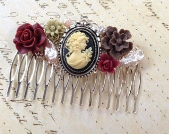Comb Decorative Floral And Cameo Silvertone Comb