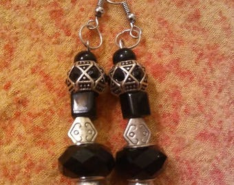 Black and Silver - Handmade earrings by Ansley Jukeboxx Joye