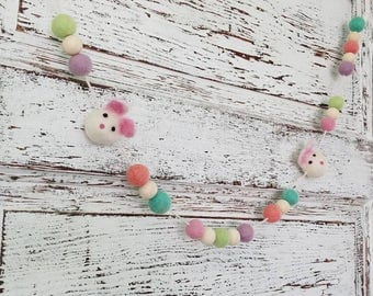 Easter bunny garland. Wood bead garland, felt ball garland decor, Easter decor 5.5ft spring garland, carrot Garland. Easter Garland. Pastels