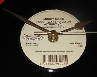 """The Moody Blues I don't want to go on without you  7"""" vinyl record clock"""