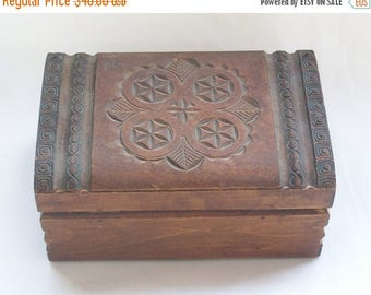 Vintage Carved Wood Hinged Jewelry Box - Keepsake Box - Trinket Box - Free Shipping