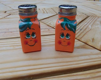 hand painted pumpkin salt and pepper shakers