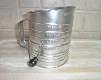 Vintage Bromwell's Measuring metal sifter
