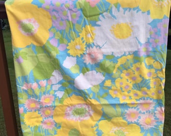 Vintage Pacific floral TWIN fitted sheet, mod floral, flower bedding, vintage linens