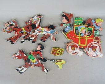 5 piece Dolly Toy Co stagecoach and horses wall plaques