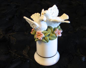 Avon Dove Top Porcelain Thimble, Wedding Thimble, Love Birds