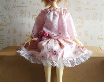 New Price - Pale pink flowered skirt, trimmed with lace, matching flower brooch, dolls BJD MSD